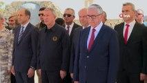 - Yenilenen Şehit Pilot Yüzbaşı Cengiz Topel Anıtı törenle açıldı- Bakan Akar, törene katıldı