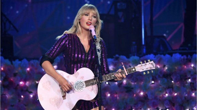 Taylor Swift Returns To The MTV Video Music Awards