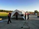 Depremzedelerin konaklaması için stada çadırlar kuruldu