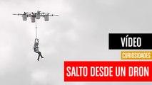 [CH] Primer salto en paracaídas desde un dron