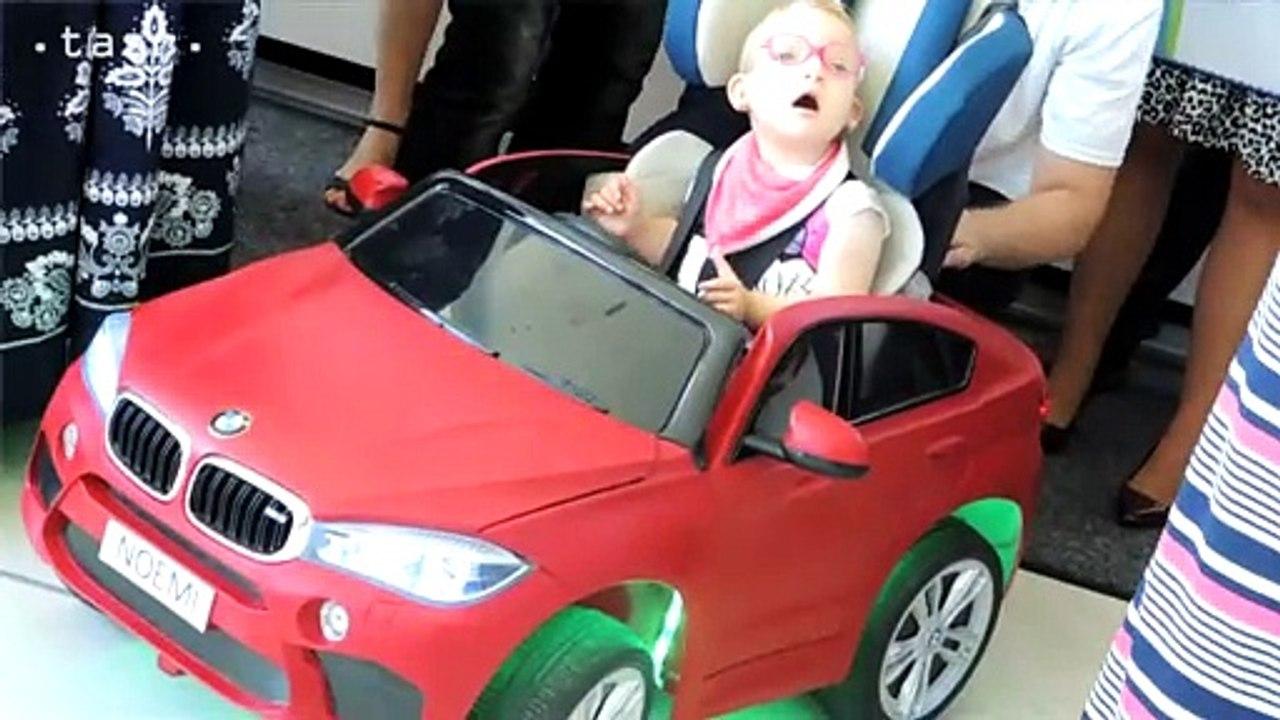 Študenti prerobili elektrické autíčka pre hendikepované deti