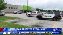 Nouveau massacre évité de justesse aux USA : Un homme armé d'un fusil et d'un gilet pare-balles arrêté alors qu'il entrait dans un supermarché Walmart dans le Missouri