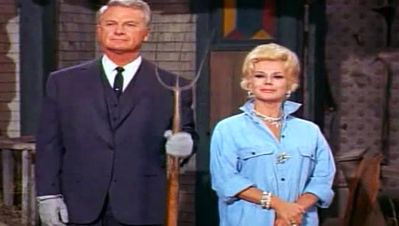 Green Acres  – SE1 – Ep10 – Don't Call Us, We'll Call You