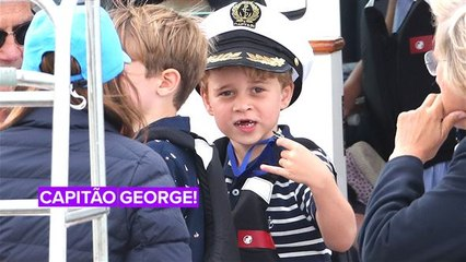 Príncipe George derrete corações em regata solidária