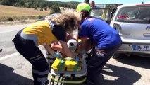 KÜTAHYA Takla atan otomobildeki anne ve kızı yaralandı