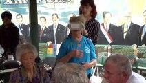 Einmal mit Delfinen schwimmen - Virtuelle Realität erfüllt Seniorenträume