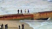 Il fuit la police en roulant sur la plage.. et nageant !