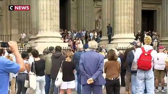 L'humour, larmes stars et anonymes se sont mêlés hier pour les obsèques à Paris du réalisateur iconoclaste Jean-Pierre Mocky