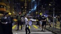 Vidéo des manifestations à Hong Kong de nuit sur la musique de Louis Armstrong