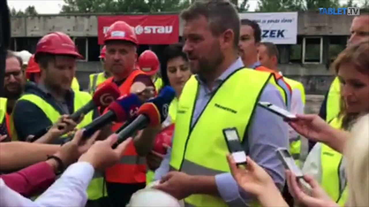 ZÁZNAM: Brífing premiéra P. Pellegriniho a ministerky zdravotníctva A. Kalavskej
