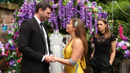 Hollyoaks Soap Scoop! Maxine has a living funeral
