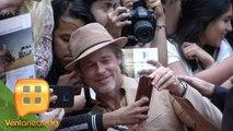 ¡GUAPÍSIMO Y COMPLACIENTE! Brad Pitt dio fotos y autógrafos en su visita a México. | Ventaneando
