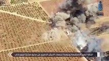 """لحظة انفجار """"مفخخة"""" وسط تجمع لميليشيا أسد جنوبي إدلب (فيديو)"""