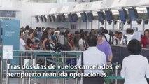 Manifestantes de Hong Kong se disculpan con viajeros por paralizar aeropuerto
