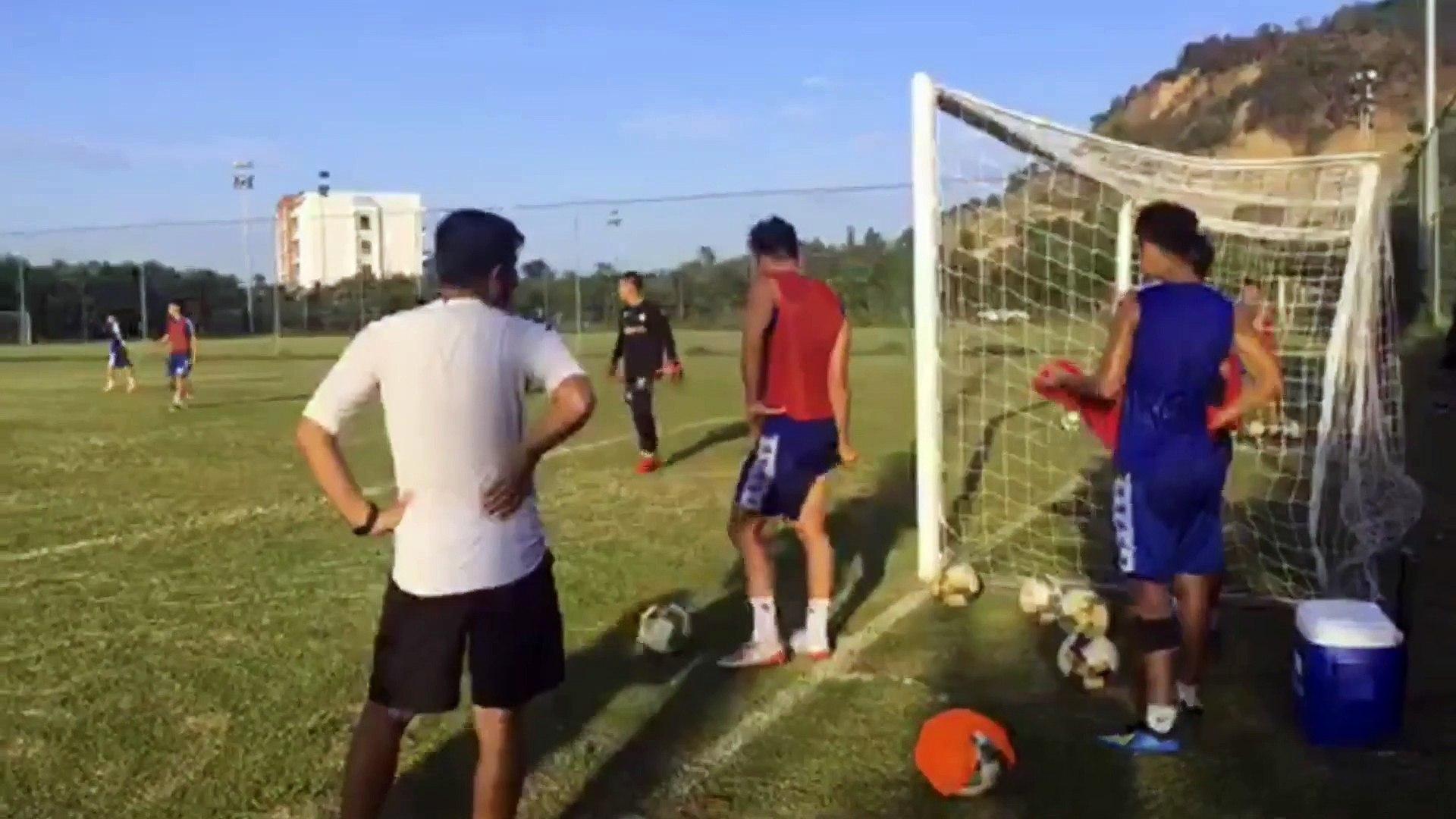Trực tiếp: CLB Hà Nội chăm chỉ tập luyện dưới thời tiết nóng bức tại Đà Nẵng | HANOI FC