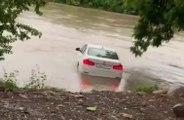 Déçu d'avoir une BMW plutôt qu'une Jaguar à son anniversaire, il l'envoie dans la rivière !