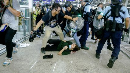Growing fears of Chinese military crackdown on Hong Kong protests