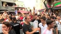 İSTANBUL- CHELSEA TARAFTARI BEŞİKTAŞ'TA EĞLENDİ