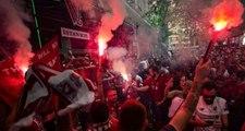 Liverpool-Chelsea maçına saatler kala İstanbul cıvıl cıvıl!