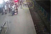 Man Jumps In Front Of Train To Save His Mobile Phone From Thief At Borivali Railway Station