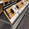 Apple store : il change les fonds d'écrans des iphones avec ses selfies droles !