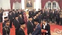 Jokowi Anugerahkan Bintang Mahaputra Utama ke Sejumlah Tokoh