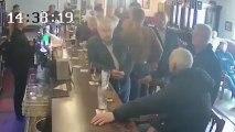 El brutal puñetazo de Conor McGregor a un hombre que rechazó su whisky