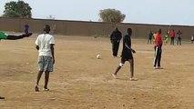 Le match de football spectaculaire de  Farba Ngom avec ses amis d'enfance