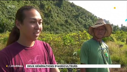 Deux générations d'agriculteurs