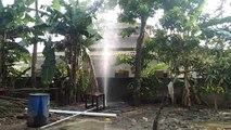 Air yang Keluar dari Halaman Rumah Warga Banten Ini Berbau Gas dan Minyak