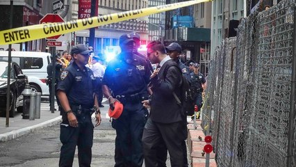 NYPD bomb squad clears suspicious packages at Fulton Street subway station