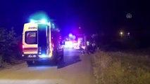 Otomobil devrildi: 1'i ağır 2 yaralı
