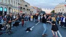 Ruslar St. Petersburg'un 'beyaz geceleri'nde ne yapıyor?
