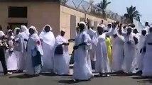 Sit In Des Femmes Khalifistes Devant La Prison De Rebeuss... Après La Prière Du Vendredi... Elles Réclament La Libération De Khaf...