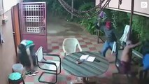 An elderly couple drives away thieves armed with machetes with the help of chairs and flip flops