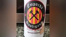 Polémica por la fotografía de Teresa Jordà con una cerveza en la que se lee 'Fuck Spain'