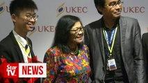Rafidah: Stop 'playing a role'