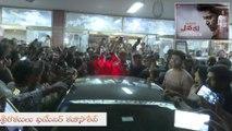 Evaru Movie Team Theater Visit    Filmibeat Telugu