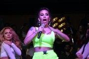 Bodrum'da konser veren İrem Derici'nin pantolonu yırtıldı
