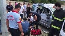 Karabük'te meydana gelen iki ayrı trafik kazasında 6'sı çocuk olmak üzere 15 kişi yaralandı