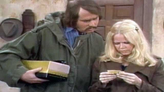 All In The Family Season 3 Episode 13 Edith's Winning Ticket