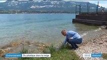 Environnement : du plastique retrouvé dans la neige des Alpes