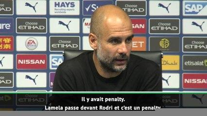 """2e j. - Guardiola : """"Le VAR prenait un café"""""""