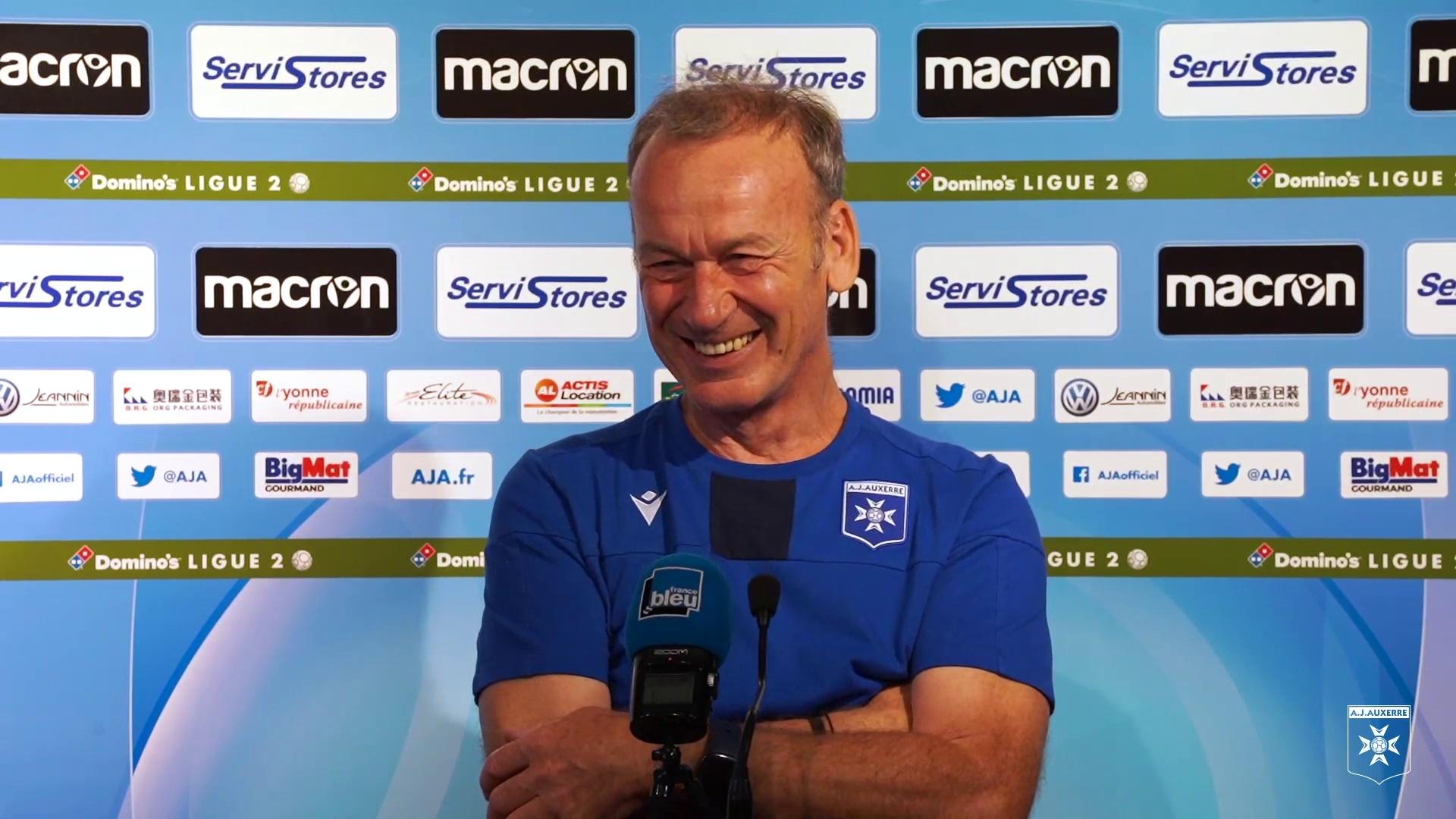 La conférence de presse de Jean-Marc Furlan avant AJA-EA Guingamp