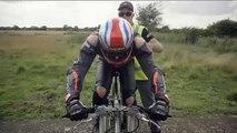 Neil Campbell pulveriza el récord de velocidad alcanzado con una bicicleta
