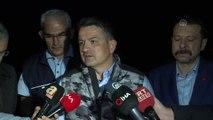 """Tarım ve Orman Bakanı Pakdemirli: """"Şu anda aktif 4 yangınla mücadele ediyoruz"""" - İZMİR"""