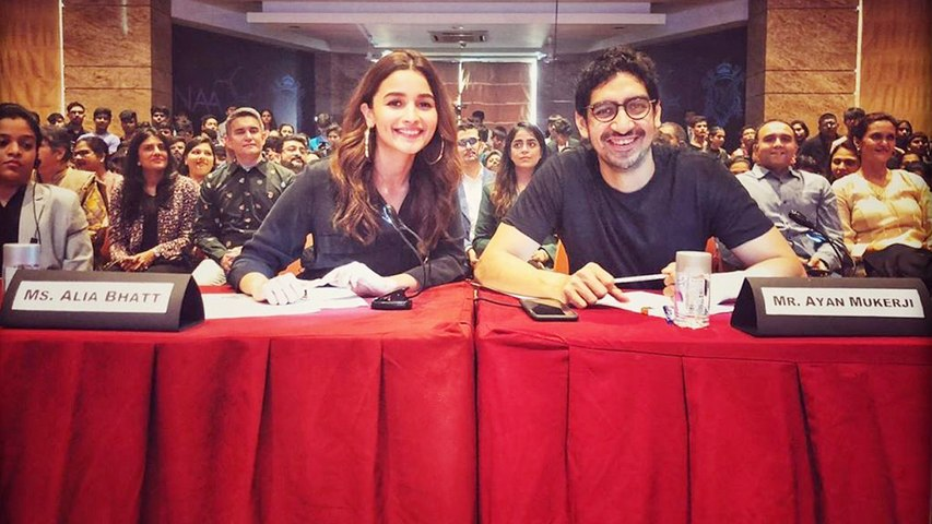 Alia Bhatt attends alumni meet with bestie Ayan Mukerji,Check out | FilmiBeat