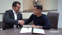 Coutinho signs for Bayern and presented with no. 10 shirt