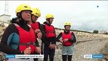 """Manche : le """"Coasteering"""", une nouvelle discipline sportive qui permet d'explorer le littoral"""