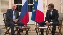 Manifestations réprimées en Russie: Poutine renvoie la France aux gilets jaunes, Macron lui répond